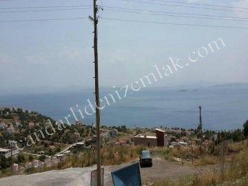 Çandarlı Eyko 'da Satılık Deniz Manzaralı Arsa