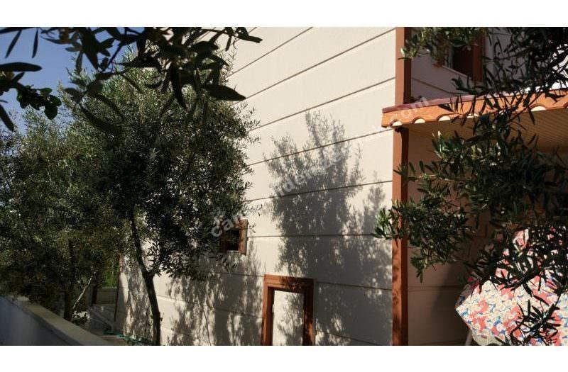 Çandarlı Merkeze Çok Yakın Bahçeli Köşe Lüx Dublex