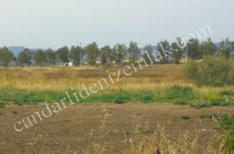 Çandarlı Tatil Köyü Liman Bölgesinde Satılık Arsa