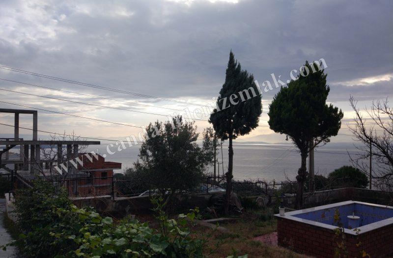Çandarlı Çağdaşlarda Deniz Manzaralı 500m2 Arsalı Dublex