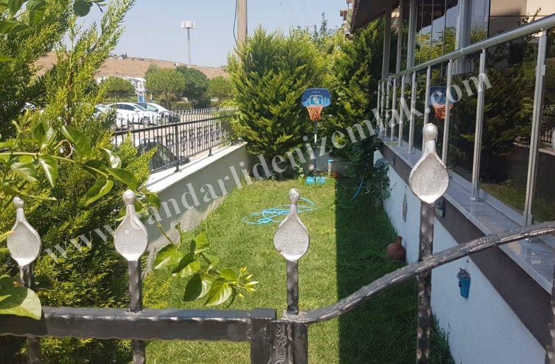 Çandarlı Satılık Bahçeli Zemin Kat Daire